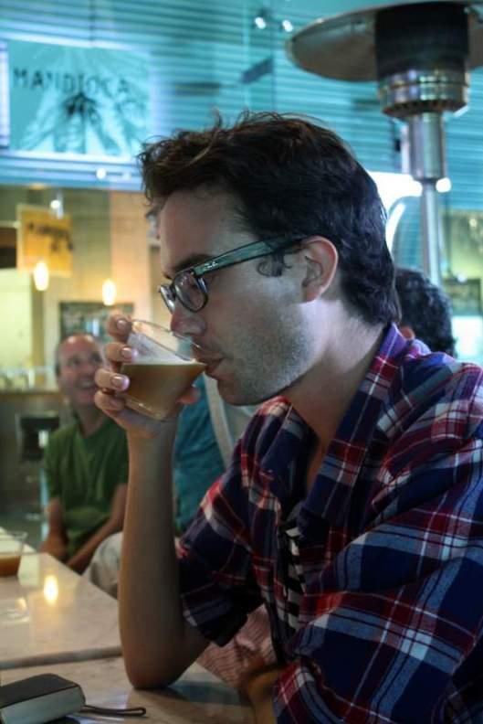 Viktor Sjöberg of SentenceBeer.com Drinking Cerveceria Insurgente's La Lupulosa